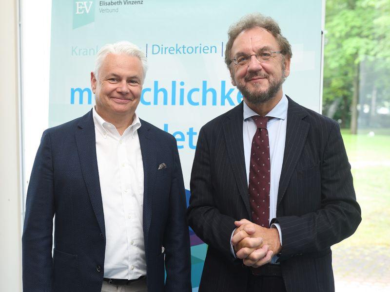 Dr. Sven U. Langner (Geschäftsführer Elisabeth Vinzenz Verbund) und Prof. Dr. Dr. hc. Heribert Prantl bei der KrankenhausdirektorienTagung des Elisabeth Vinzenz Verbundes 2021
